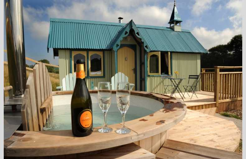 Brownscombe Luxury Glamping - Image 19