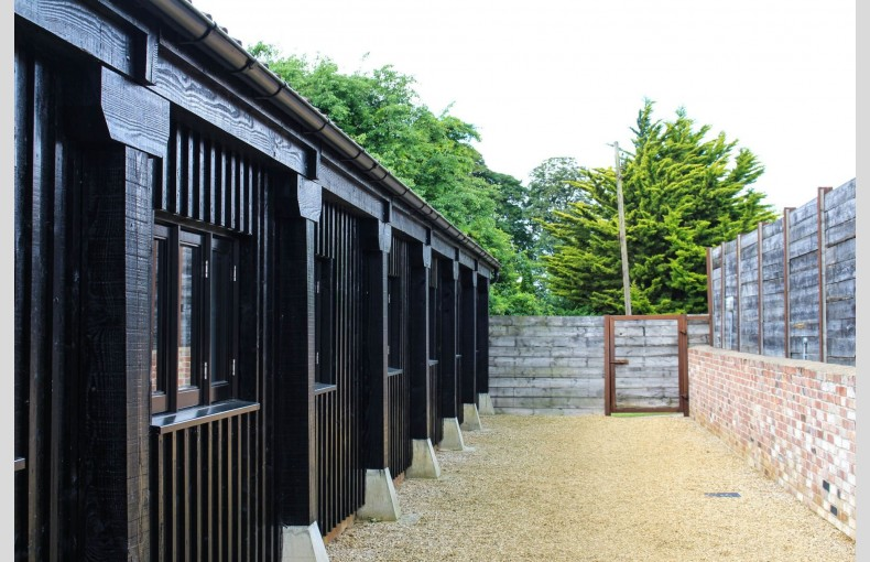The Cattle Sheds - Image 15