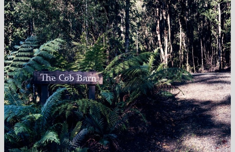 The Cob Barn - Image 25