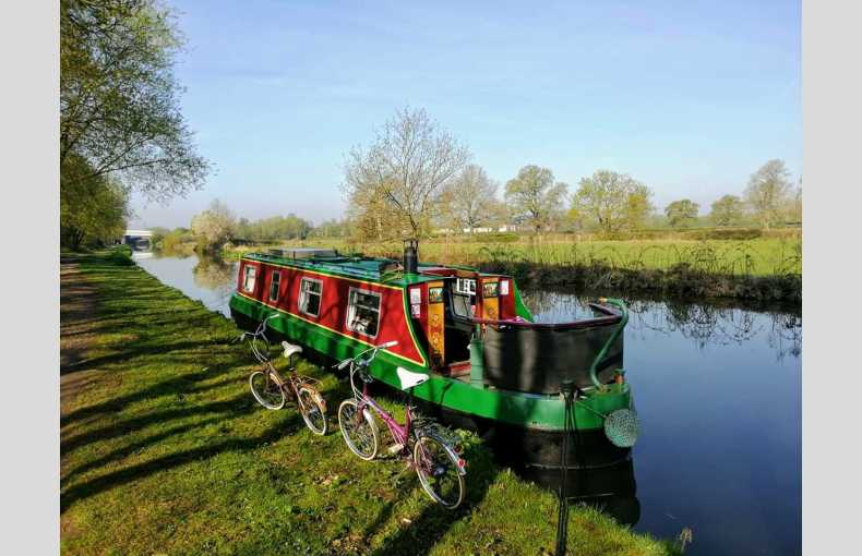 Griffin Narrowboat Holidays - Image 1