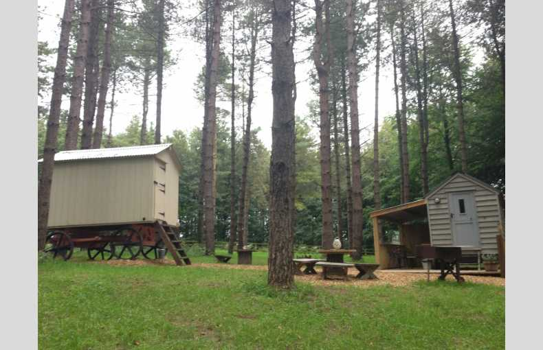 Happy Valley Glamping Retreat - Image 12