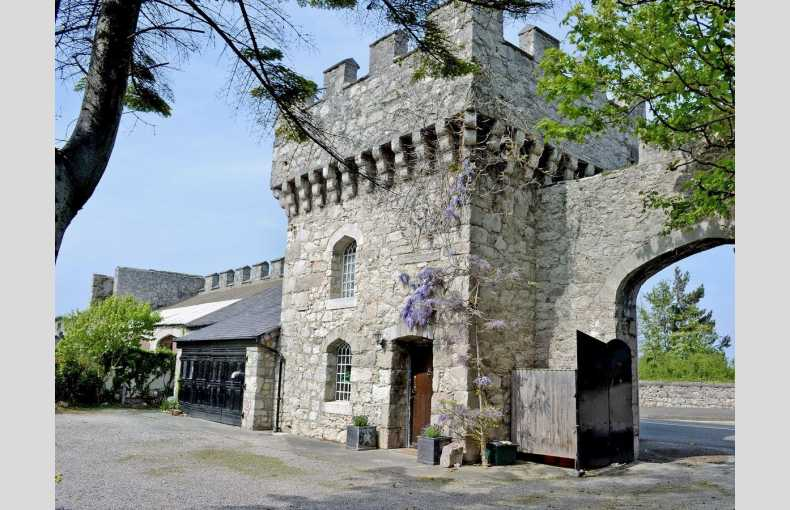 Hen Wrych Hall Tower - Image 1
