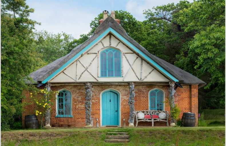 Hex Cottage - Image 1
