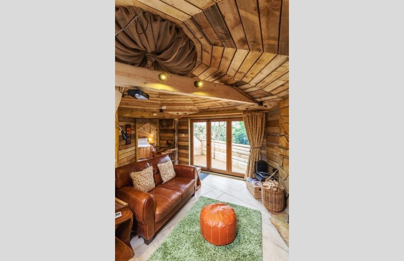 Treehouse Hideaway - Image 5