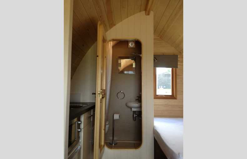 Lee Wick Farm Cottages and Glamping - Image 12