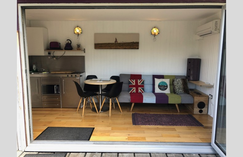 Lee Wick Farm Cottages and Glamping - Image 3