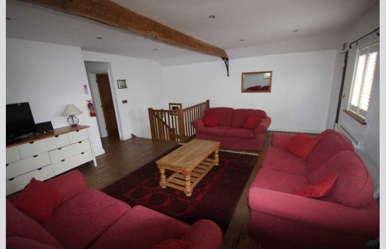 Lee Wick Farm Cottages and Glamping - Image 19
