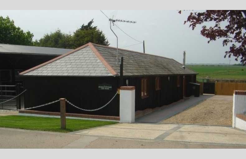 Lee Wick Farm Cottages and Glamping - Image 20
