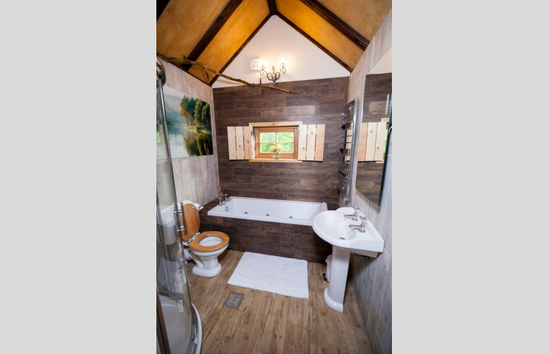 Mill Farm Glamping and Treehouse - Image 8