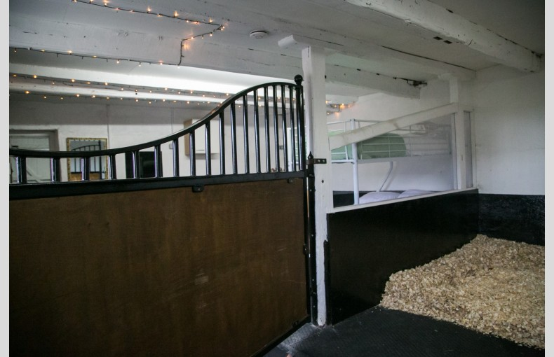 Stable Stays - Image 15