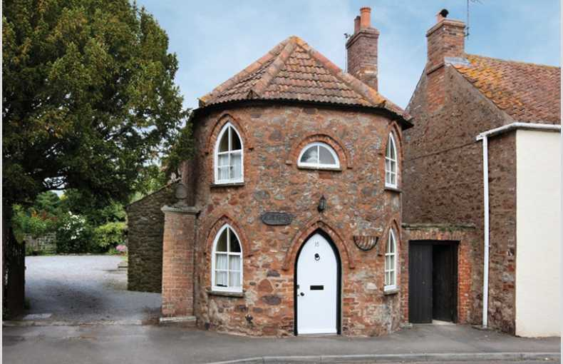 Toll House - Image 1