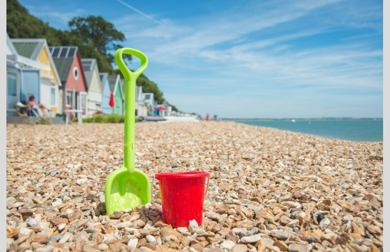 Calshot Luxury Beach Huts - Image 12