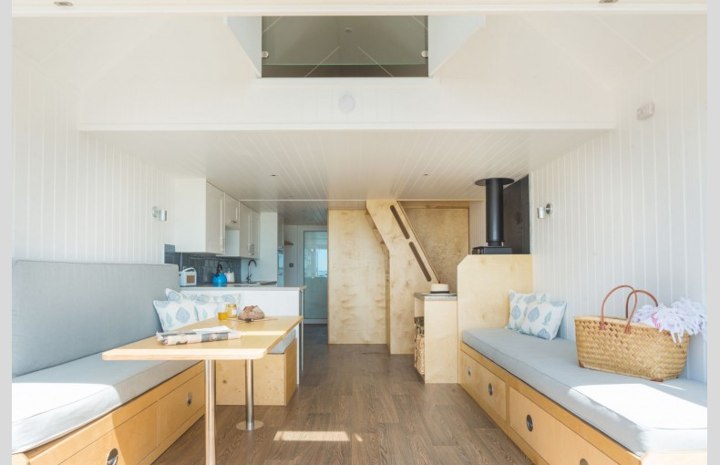 Calshot Luxury Beach Huts - Image 13