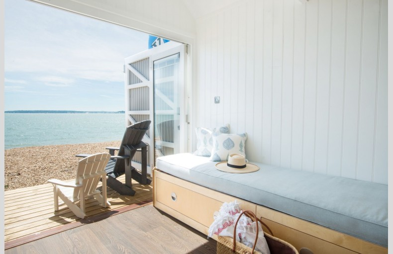 Calshot Luxury Beach Huts - Image 4