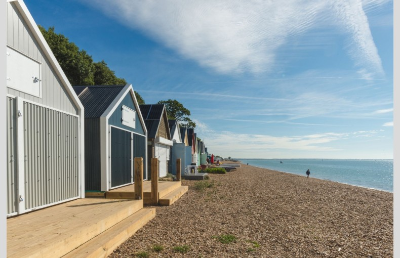 Calshot Luxury Beach Huts - Image 15