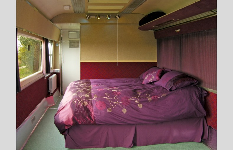 Converted Railway Carriage - Image 5
