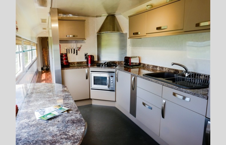 Converted Railway Carriage - Image 10