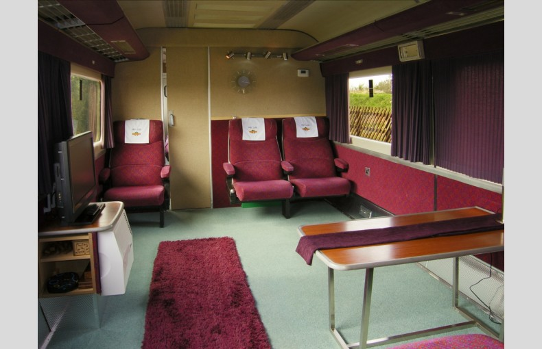 Converted Railway Carriage - Image 9