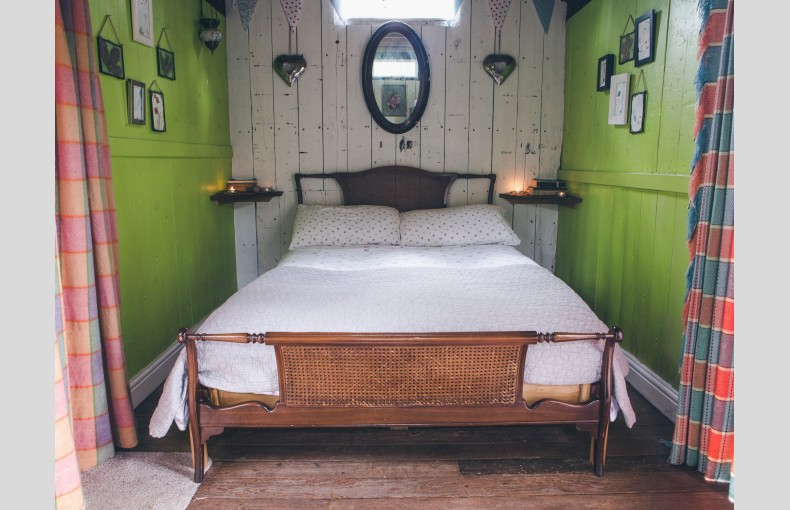Danyfan Glamping Carriage - Image 2