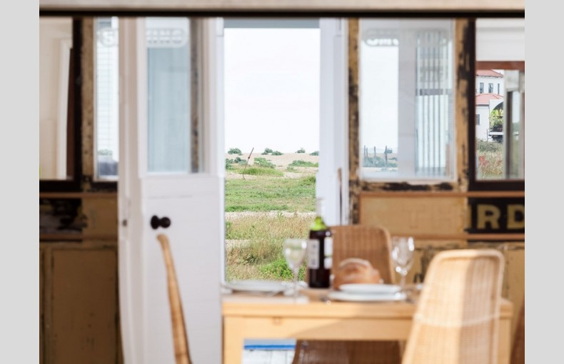 Dungeness Railway Carriage - Image 4