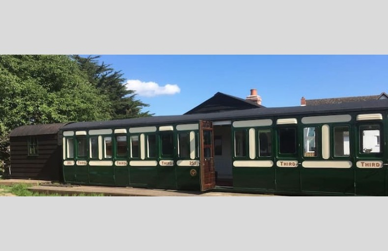 Green Lane Carriage - Image 2