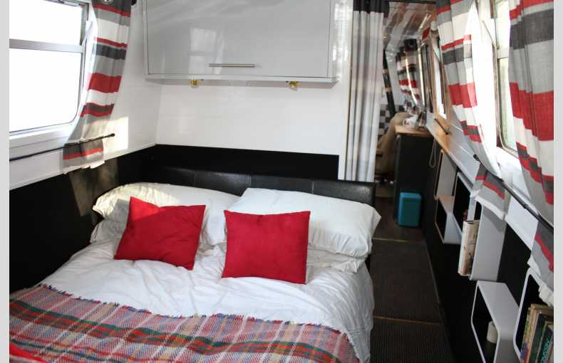 Griffin Narrowboat Holidays - Image 3