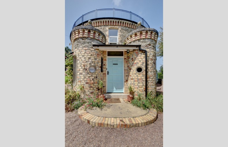 The Round House Ilfracombe - Image 2