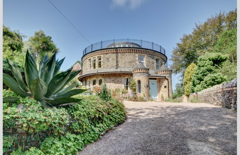 The Round House Ilfracombe - Image 1