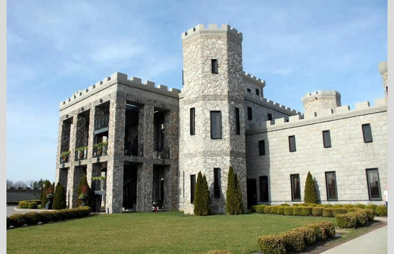 Kentucky Castle - Image 6