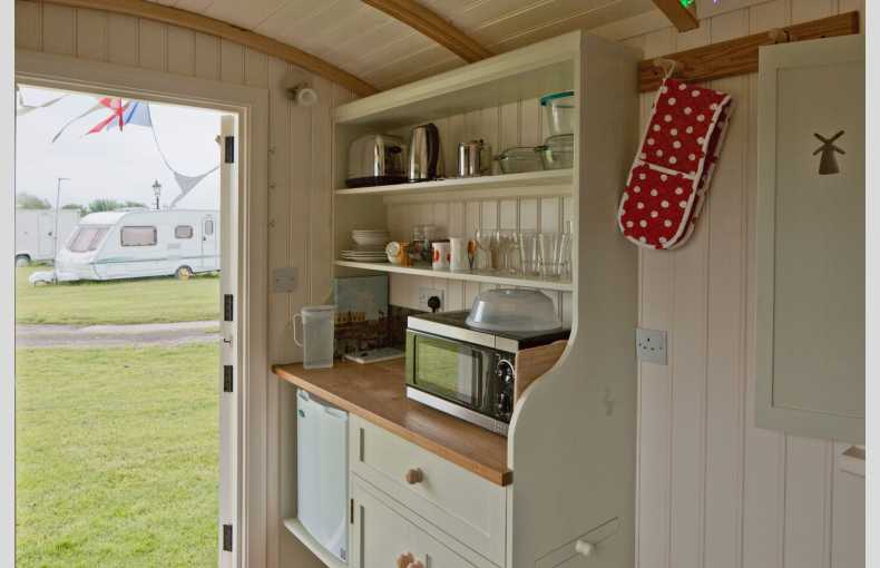 Mill Farm Shepherd's Hut - Image 5