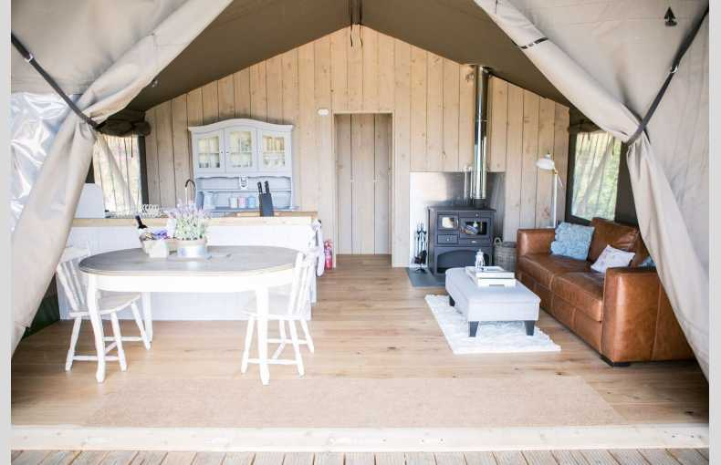 Oaklands Glamping & Treehouse - Image 14