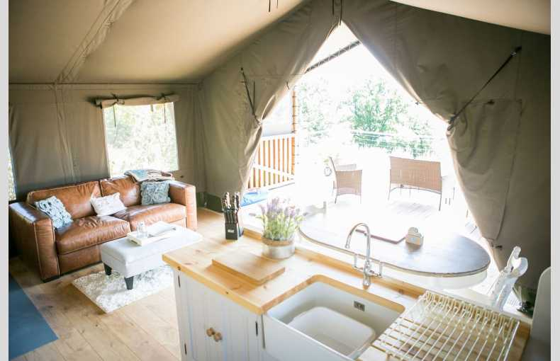 Oaklands Glamping & Treehouse - Image 15