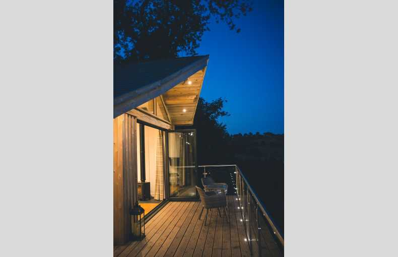 Oaklands Glamping & Treehouse - Image 9