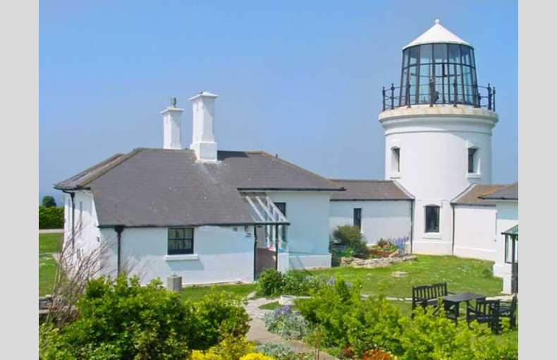 Old Higher Lighthouse Stopes Cottage - Image 1