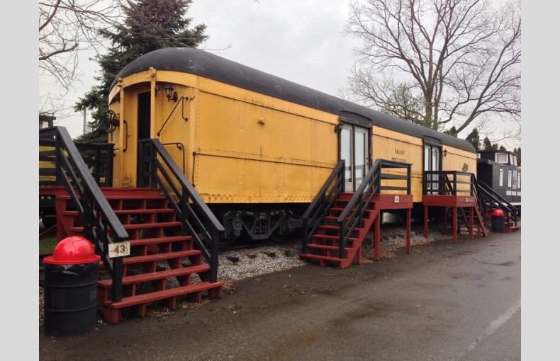 Red Caboose - Image 4