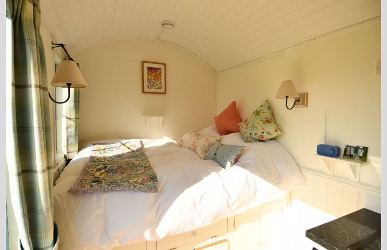 Stocklinch Shepherd's Hut - Image 5