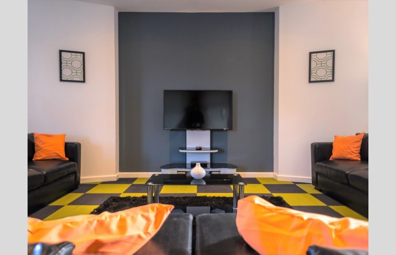 Suffolk Skytower - Image 13