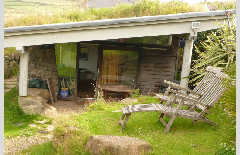 Whitesands Earth Cabin - Image 4