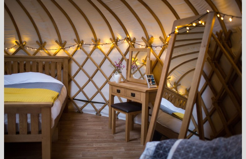 The Yurt at Hollands Farmhouse - Image 3