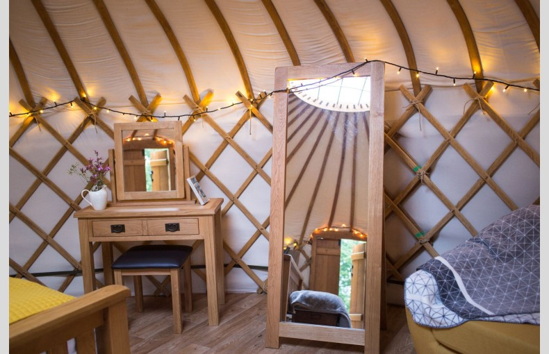 The Yurt at Hollands Farmhouse - Image 8