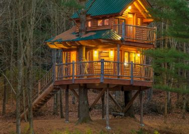 Moose Meadow Lodge and Treehouse