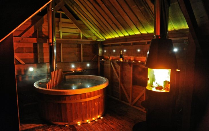 Glamping with Hot Tubs Included – Your Holiday Heaven Awaits