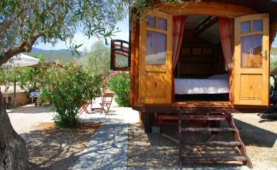 New to Host Unusual: Art Deco Design & Exotic Glamping Adventures