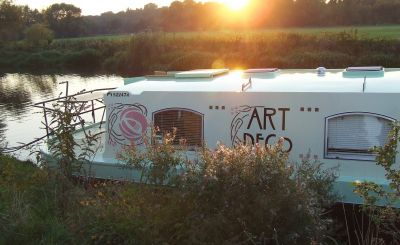 New to Host Unusual: Art Deco Barge, Oxford Yurt, Old Summer Dairy and A Secret Garden