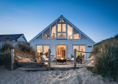 Peachy Unique Holidays In Beach Huts And Houses Host Unusual Download Free Architecture Designs Scobabritishbridgeorg