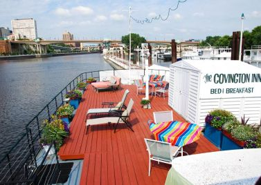 Covington Houseboat