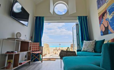 WIN a 2-night Alternative Dinner, Bed and Breakfast at Luxury Beachcroft Beach Hut Suites in West Sussex!