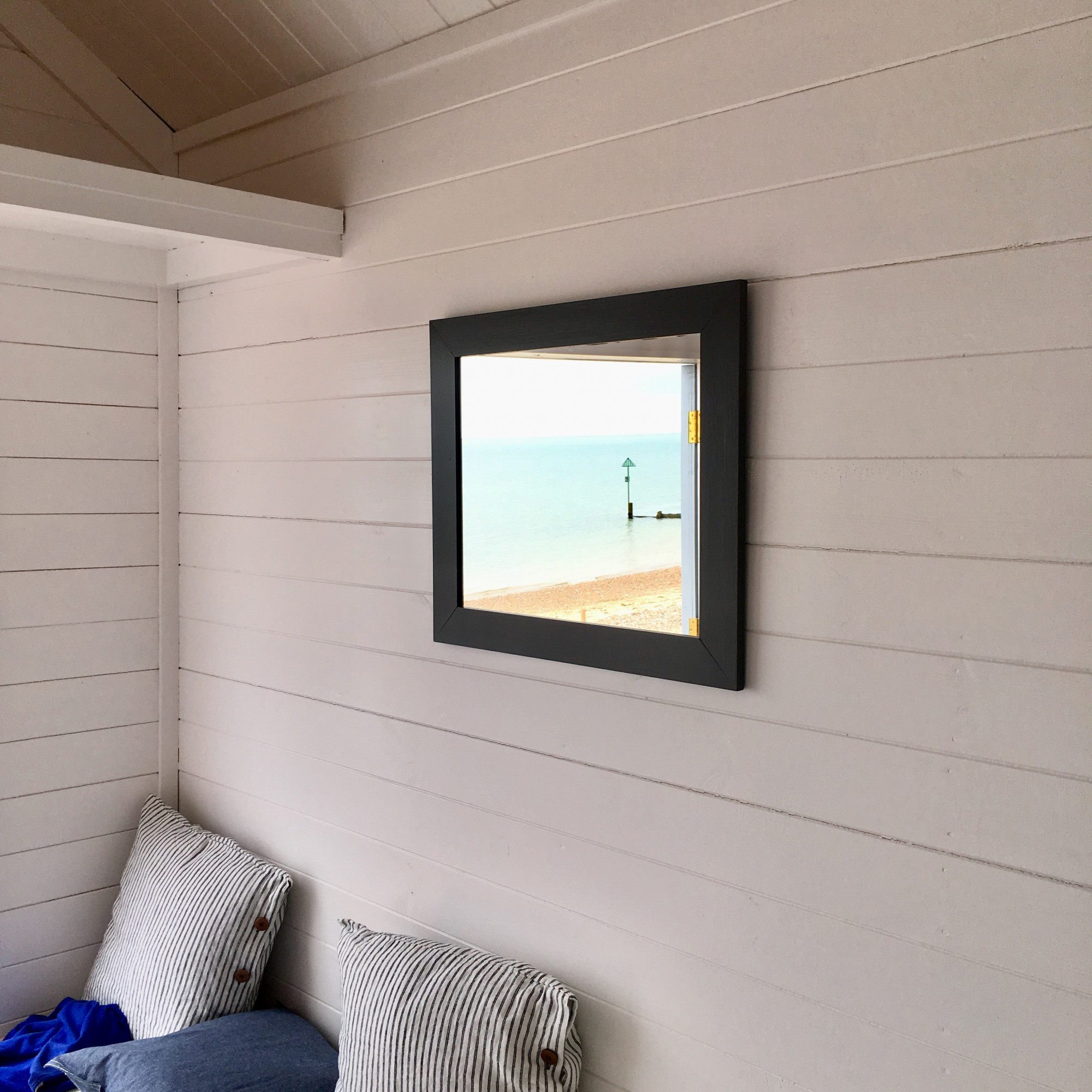 Blog-Beach-Huts-Mersea-mirror.jpg