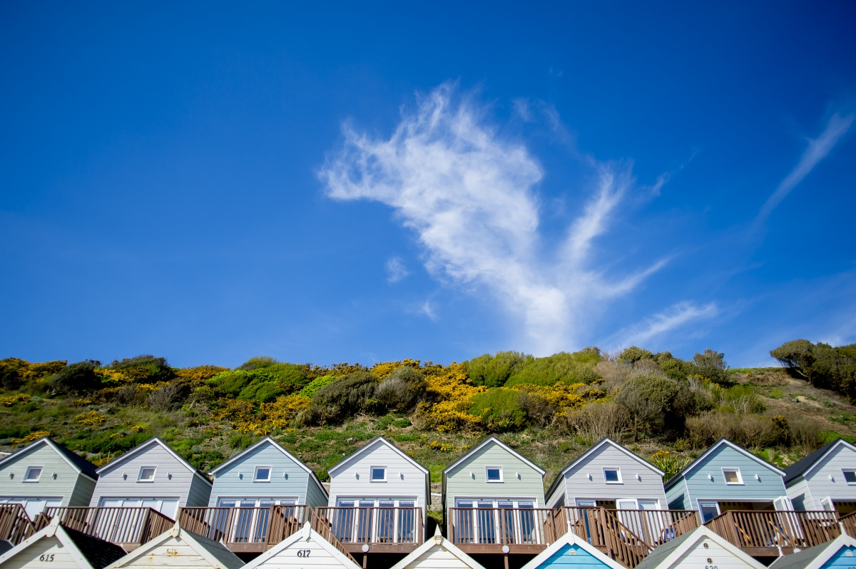 Bournemouth-Beach-Lodges-blue-sky.jpg