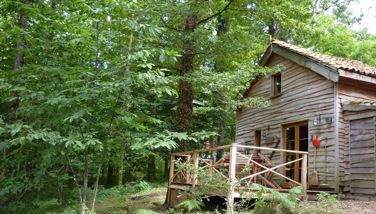 Covert-cabin-Woodsmans-cabin-close.jpg